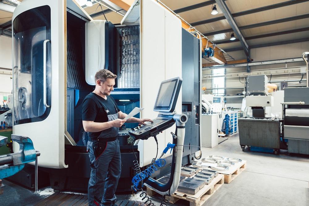 Cięcie laserem Bydgoszcz – dlaczego warto skorzystać z usług cnc?